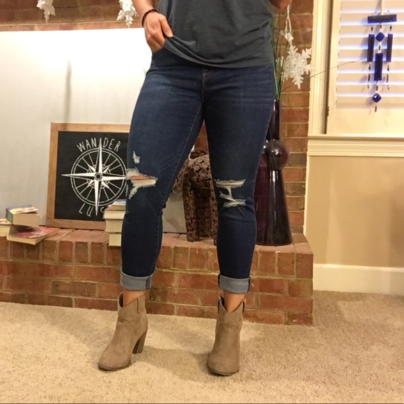 e49bf51a719501 Old Navy Rockstar Jeans - size 10. M_5b886e90de6f6244bdf94473